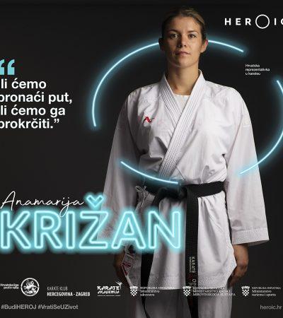 HEROIC – Anamarija Križan – Blok otvorenim dlanom u stavu